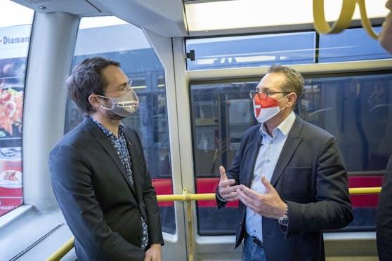 """Heinz-Christian Strache im Gespräch mit """"Heute""""-Redakteur Mathias Klein."""