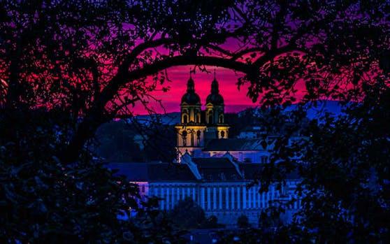 Das Augustiner Chorherrenstift St. Florian bei Nacht