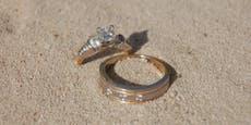 Ehering nach 40 Jahren am Strand wiedergefunden