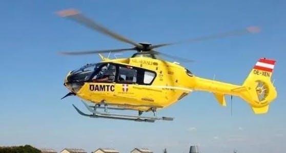 Notarzthubschrauber flog Verletzte ins Spital.