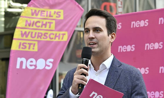 Vizebürgermeister Christoph Wiederkehr kündigte Entlastung für Eltern an.