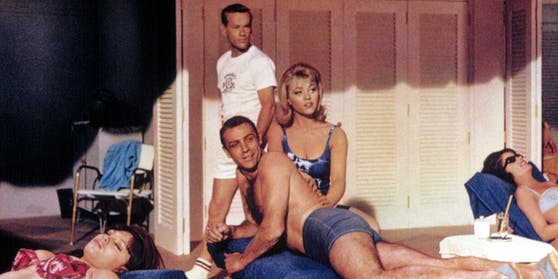 "Margaret Nolan massierte Sean Connery in Bond-Film ""Goldfinger""."