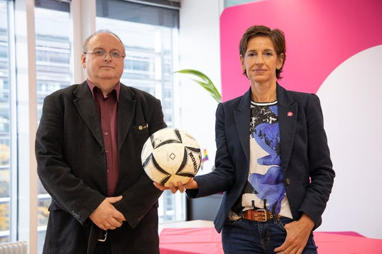 Neos NÖ-Chefin Indra Collini mit Werner Vogl