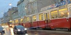 Bim stand bei Unfall mit Auto in Wien komplett still