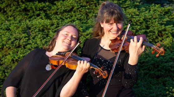 Maria Held (l.) und Johanna Bohnen