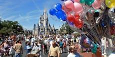 Vater bringt Sturmgewehr mit nach Disney World