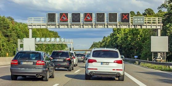 Der Unfall ereignete sich auf der A9. (Symbolbild)