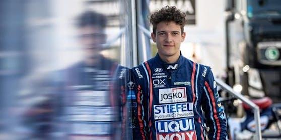 Der Oberösterreicher Nico Gruber gehört zu den aufstrebenden Talenten im Tourenwagen-Sport.