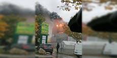 Große Rauchwolke über der Donaustadt: Lagerhalle brennt