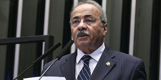 Brasilianischer Senator versteckt Geld zwischen seinen Po-Backen.