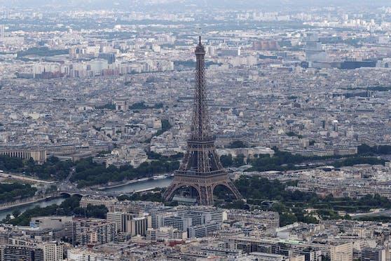 Nahe Paris läuft ein Großeinsatz.