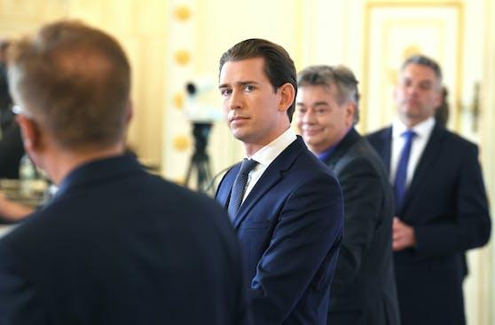 Wurden im Schnellverfahren getestet: Alle Regierungsmitglieder mit Ausnahme des Außenministers sind Corona-negativ.