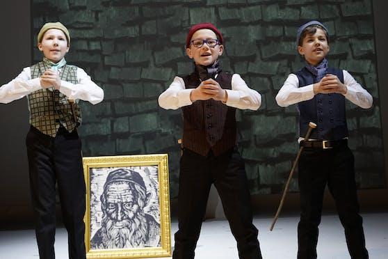 """Auch die Erfolgsproduktion """"Der Hase mit den Bernsteinaugen"""" hat die Kleinsten schon ganz groß rausgebracht. Jetzt haben wieder junge Talente die Chance in Linz auf der Bühne zu stehen."""