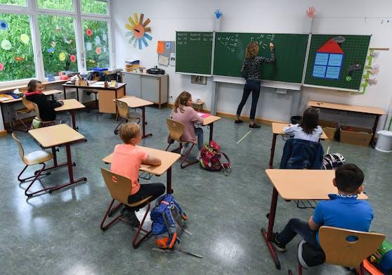 """""""Gendern"""" im Unterricht soll laut der FPÖ gestoppt werden."""