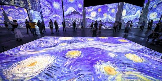 Die Bilder von Van Gogh erwachen in der Ausstellung zum Leben.