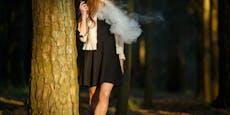 Mysteriöser 52-Jähriger filmt rauchende Mädchen im Wald