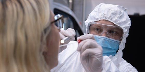 Die österreichische Bundesregierung setzt im Kampf gegen die Pandemie jetzt auf Massentests