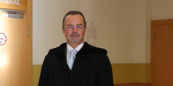"""Andreas Reichenbach verteidigt den """"Gas-Ganoven"""""""