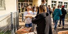 Sängerin spendiert 100 Gratis-Pizzas für Schule in NÖ