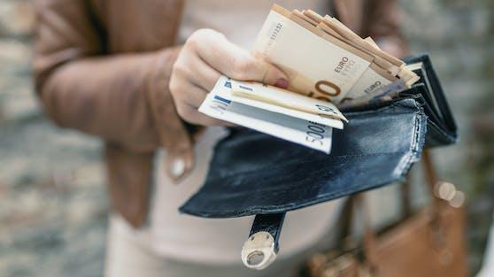 Laut Finanz-Experten sollte man schon früh mit dem Sparen anfangen.