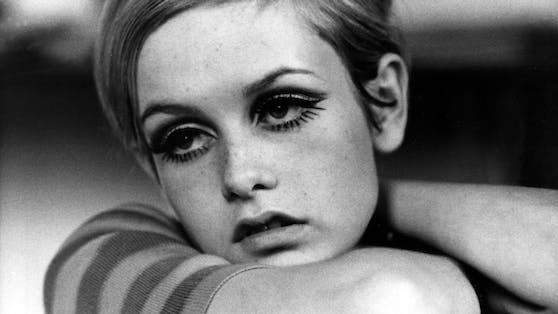 """Model """"Twiggy"""" war für ihre stark getuschten Wimpern in den 60er Jahren bekannt."""