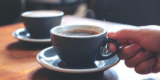 Ein zweiter Kaffee kann dein Lieblings-Kaffeehaus retten.