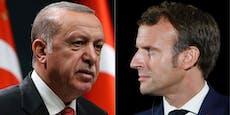 Frankreich verbietet Graue Wölfe, Türkei will reagieren