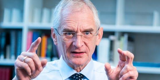 """Franz Allerbergerist der Leiter der Abteilung für """"Öffentliche Gesundheit"""" der AGES"""