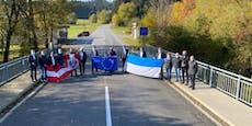 Corona-Demo an der Grenze zwischen OÖ und Bayern