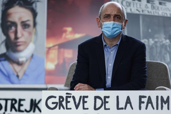 EU-Abgeordneter Pierre Larrouturou geht in den Hungerstreik.