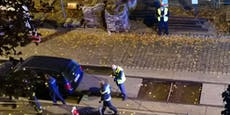Wiener blieb mit seinem Auto in Baustelle stecken