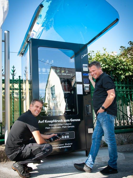 Wiener Cobenzl-Chef Thomas Podesnik eröffnete nun den Weinautomaten.