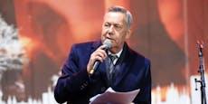 """""""Existenzangst"""": Kaiser platzt auf Demo der Kragen"""