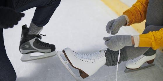 Die Eislaufsaison beginnt.