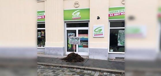 Die Botschaft auf dem Schild ist eindeutig: Hier hat jemand etwas gegen die Grünen.