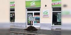 Misthaufen mit Botschaft vor Grünen-Büro abgelegt
