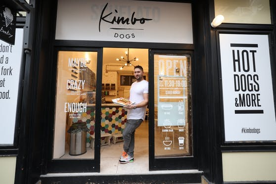 "Mario Sommer sperrt am Freitag ""Kimbo Dogs"" auf."