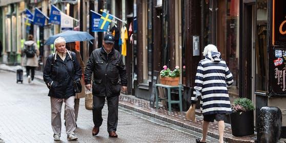Schweden verzeichnet Rekordzahlen bei den Neuinfektionen.Trotzdem verschärft das Land die Corona-Maßnahmen nicht.