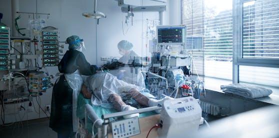 Ein Corona-Kranker auf der Intensivstation.