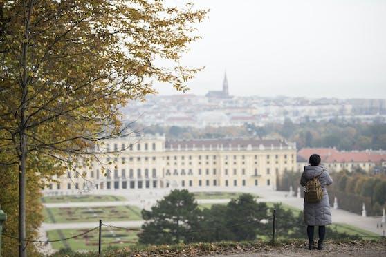 Es herbstelt in Wien: Ein Blick auf das Schloss Schönbrunn