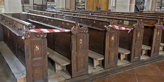 Nur mehr Jede zweite Reihe zu besetzen ist in so gut wie allen Kirchen Gebot der Stunde
