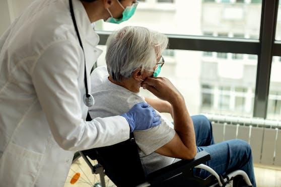Viele Alten- und Pflegeheime in Österreich sind laut Gesundheitsministerium bereits durchgeimpft. Symbolbild.