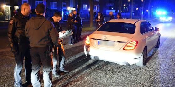 Die Polizei zog den Hochzeitskorso-Teilnehmer aus dem Verkehr.