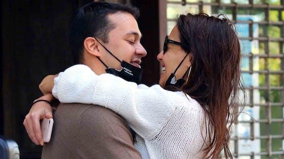 Die neue Romanze ihres Sohne Emilio mit Hollywood-Star Katie Holmes ist Mama Vitolo ein Dorn im Auge.