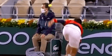 Djokovic trifft schon wieder den Linienrichter
