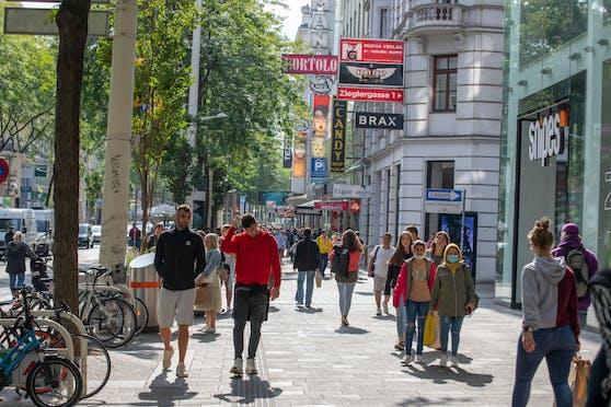 In Zeiten des Coronavirus (wieder)entdecken die Wiener das Zufußgehen, etwa hier auf der Wiener Mariahilfer Straße (Bild aus der Zeit vor dem aktuellen Lockdown, Anm.).