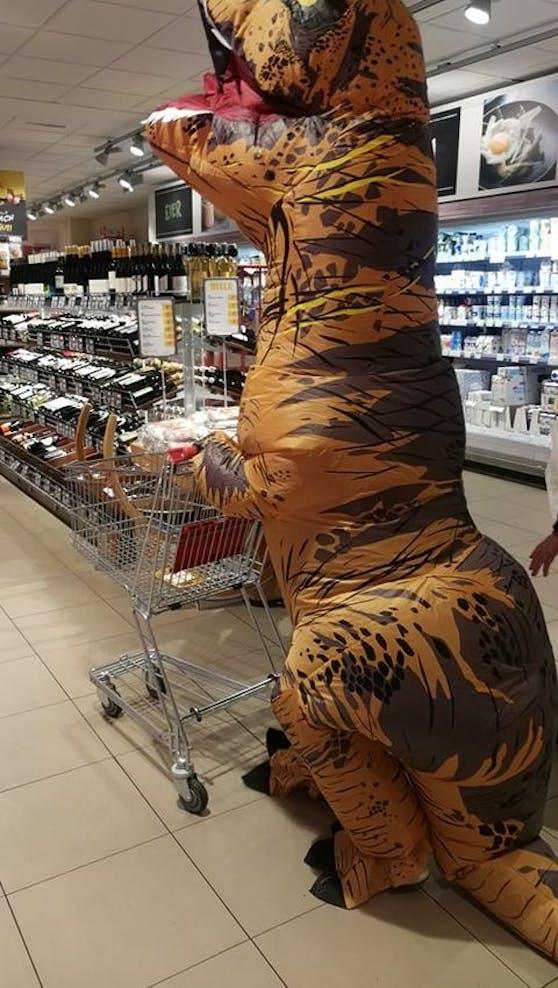 Der T-Rex war auch im Supermarkt.
