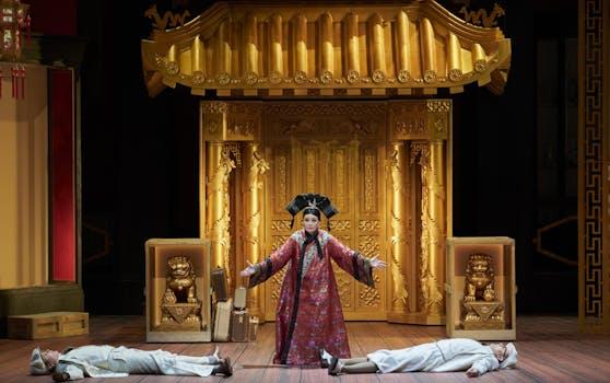 """Die Operette """"Das Land des Lächelns"""" feiert Premiere in Linz."""