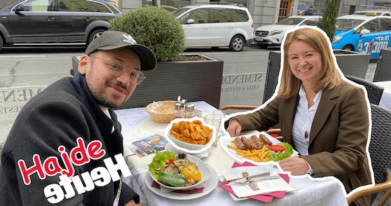 Auf Cevapcici mit Silvia Jankovic.