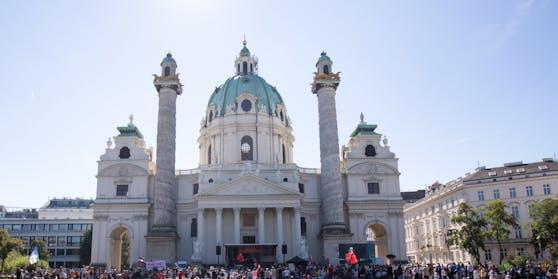 Die Karlskirche in Wien-Wieden.